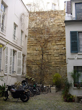 Photo: This courtyard at 62 Rue du Cardinal Lemoine shows a nice length of recently-restored Wall.