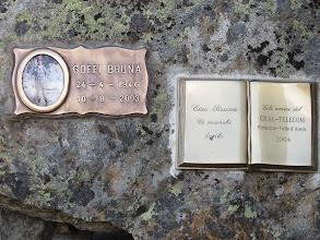 Photo: Gedenktafeln auf dem Monte Emilius