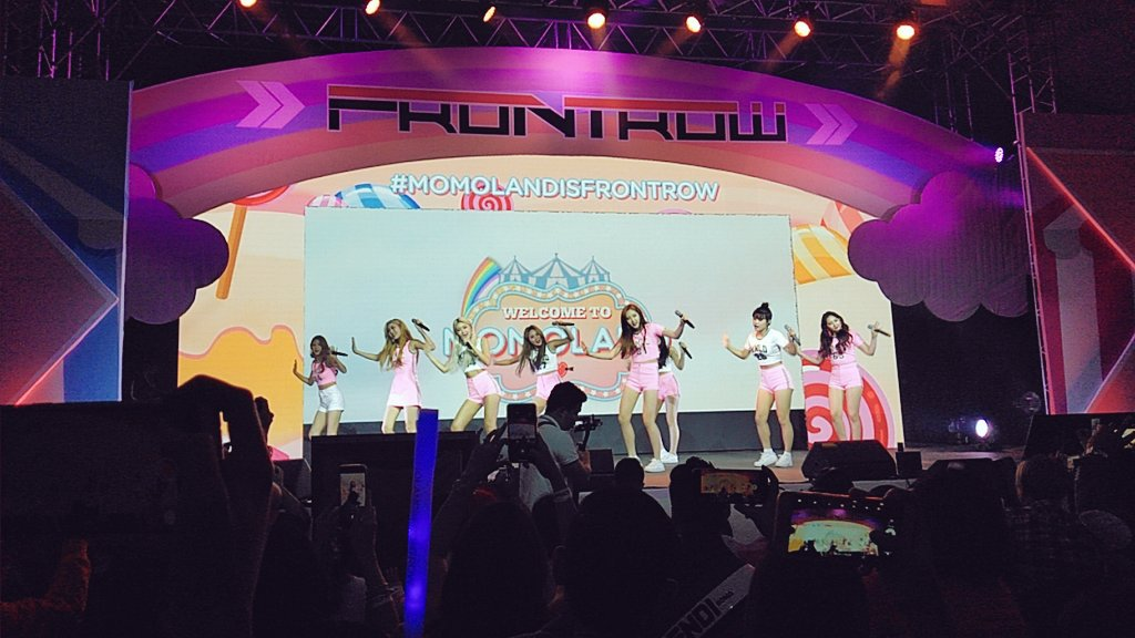 MOMOLAND-FrontRow-02