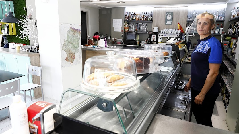 Imagen de un bar durante las fases de desescalada.