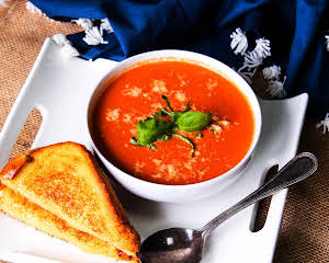 Spicy Crock Pot Tomato Bisque