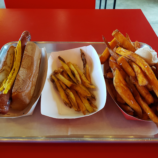 Ordered a hot dog with gluten free bun and cinnamon sugar sweet potato fries.  They were kind enough to give a sample of the regular fries too! All potatoes are fresh cut in store.