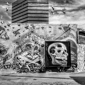 Downtown graffiti  by Mark Lawrence - Black & White Buildings & Architecture ( black and white, graffiti, architecture )