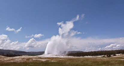 Photo: Old Faithful