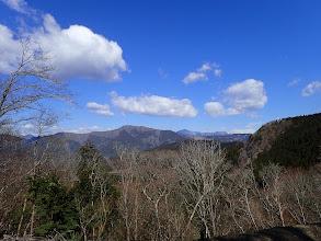 林道からの展望(七ツ峰・大無間山・三ツ峰など)