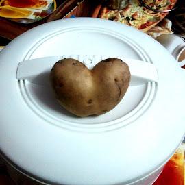 Hear shape potato by Basant Malviya - Food & Drink Fruits & Vegetables ( potato, heart shape,  )