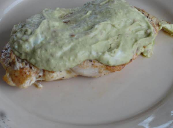 Nelda's Spicy Chicken With Avocado Sauce Recipe