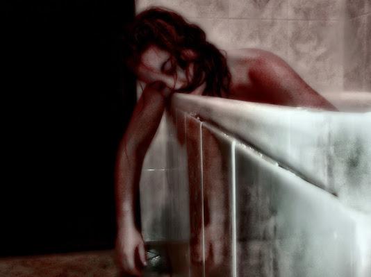 """""""Basta con la violenza sulle donne"""" di JILLIAN"""