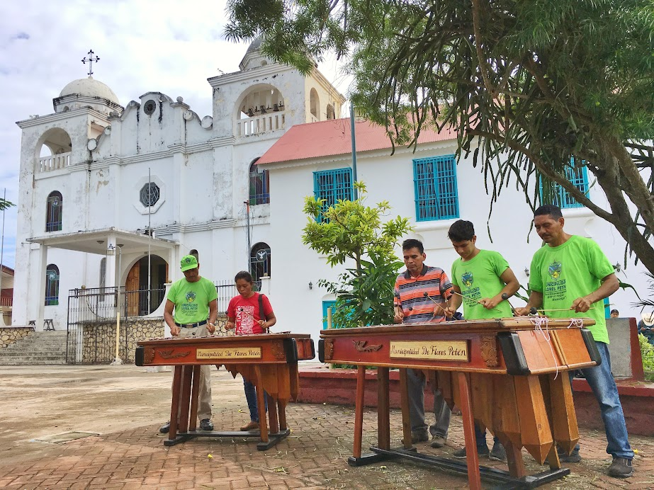 I ran into a group of young men (and a woman) practising marimba in Flores' centra plaza. They were quite good.