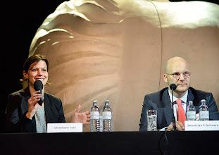 Photo: Pressekonferenz der Wiener Kammeroper am 29.4.2014. Regisseurin Lutz und Geschäftsführer Sebastian F. Schwarz. Foto: Barbara Zeininger