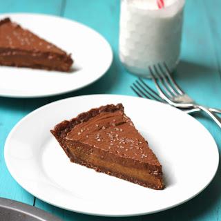 No Bake Chocolate Salted Caramel Pie (GF, DF, Vegan)