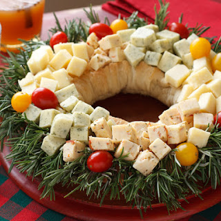 Holiday Cheddar Wreath