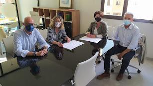 Acuerdo entre el Colegio de Veterinarios de Almería y Vera Import.