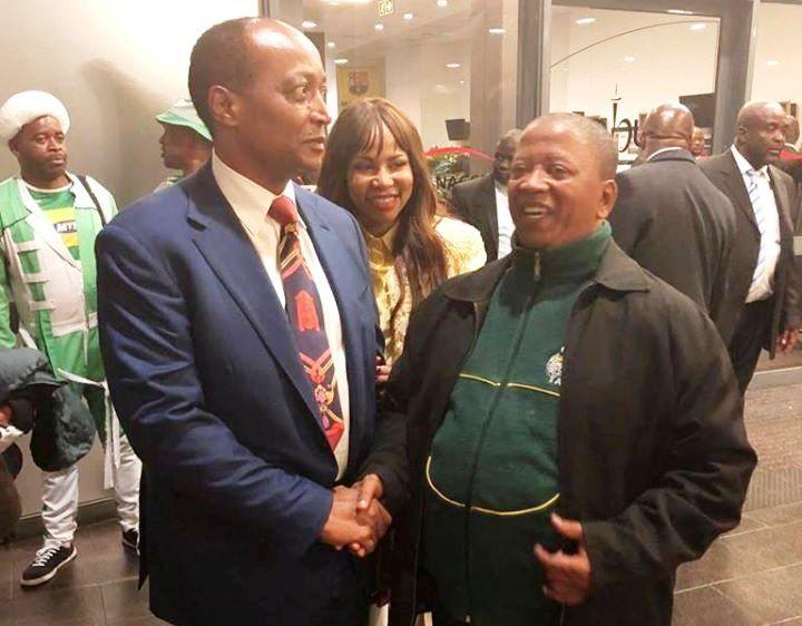Vernon Jantjies with businesman Patrice Motsepe and fashion entrepreneur Precious Moloi-Motsepe.