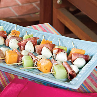 Melon, Mozzarella, and Prosciutto Skewers Recipe