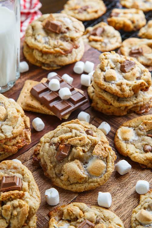 """S'Mores Chocolate Chip Cookies""""Soft and chewy s'mores cookies just loaded with chocolate,..."""
