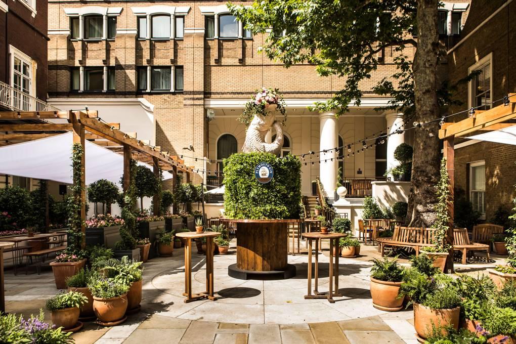 Thiết kế nhà hàng sân vườn phong cách châu Âu