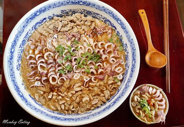 台中大雅小吃| 麵香大腸麵線,超狂 浮誇系美食推薦,大胃王挑戰邪惡三寶大碗公麵線