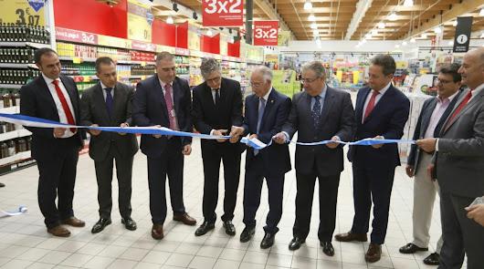 Carrefour abre en el Gran Plaza y da empleo a 160 personas