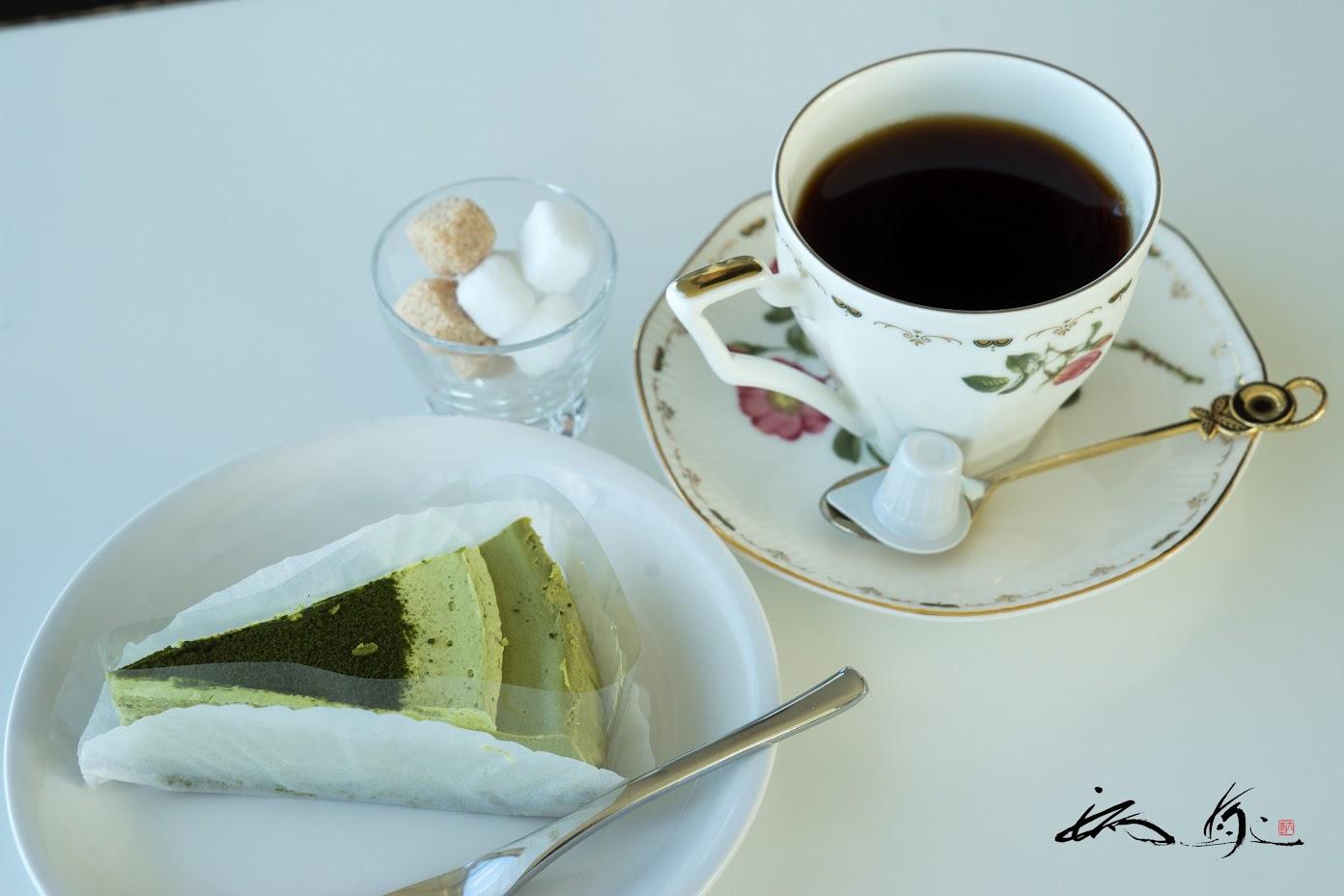 丸宗宇治抹茶と豆乳のチーズケーキセット