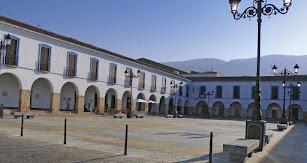 La Plaza Porticada, construcción decimonónica.