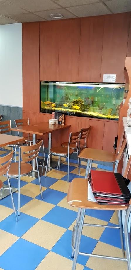Foto Restaurant Marisquería Freiduría la Maquinista 16