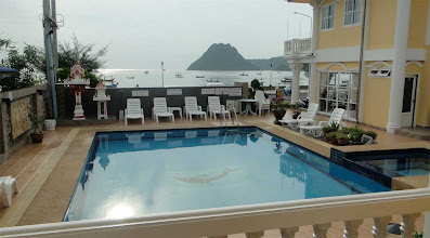 Photo: Beachfront Hotel