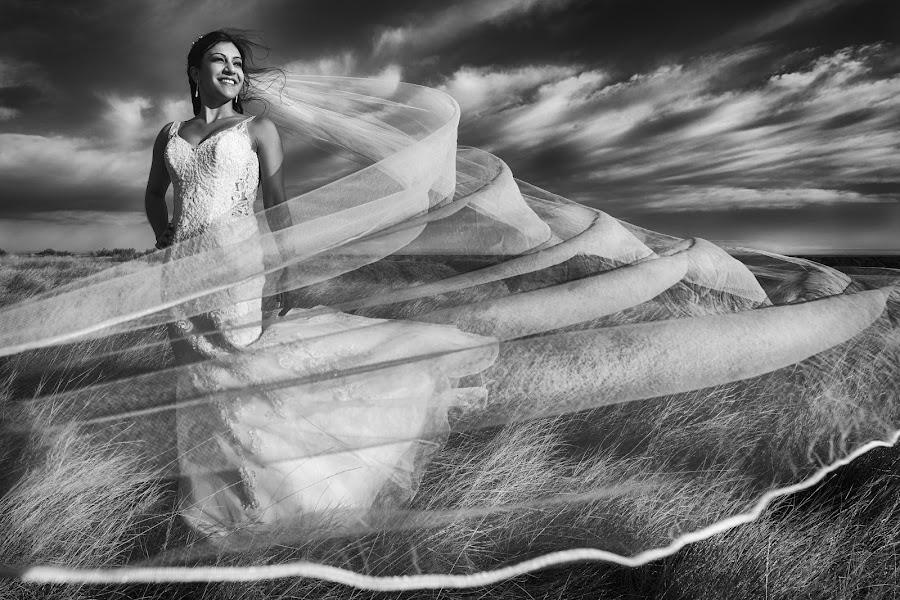 Wedding photographer Marcin Karpowicz (bdfkphotography). Photo of 10.11.2017