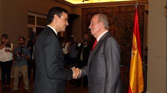 Pedro Sánchez y el Rey emérito, en una imagen de archivo.
