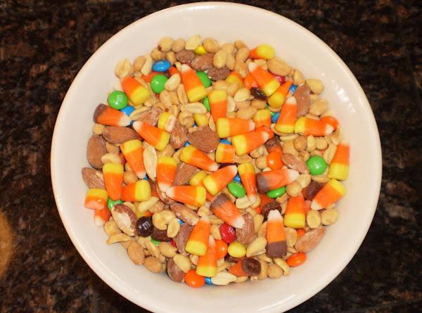 Fall Candy Corn Mix Recipe