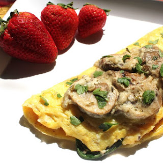 Mushroom Omelette With Spinach and Goat Cheese – A Gluten-Free Breakfast.