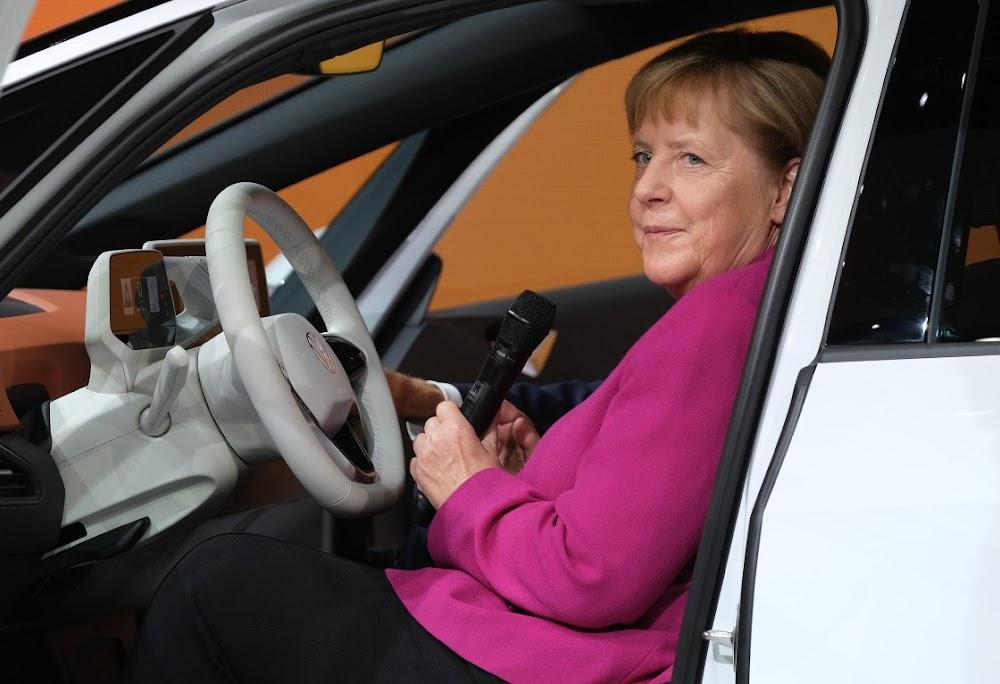 Angela Merkel om Duitse vervaardigers te help met die prys van koolstofdioksied