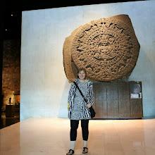 Photo: Turisti ja azteekkien Stone of the Sun