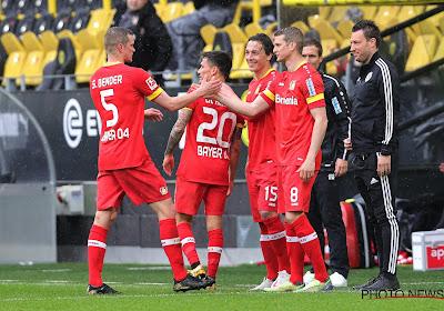 Schitterend gebaar: Dortmund-doelman laat strafschop expres binnen