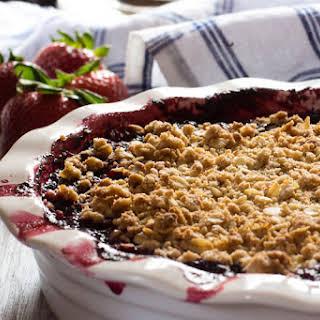 Strawberry Blueberry Hibiscus Crumble | #ProgressiveEats.