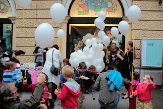 Photo: Sto balonov za sto otročičkov.