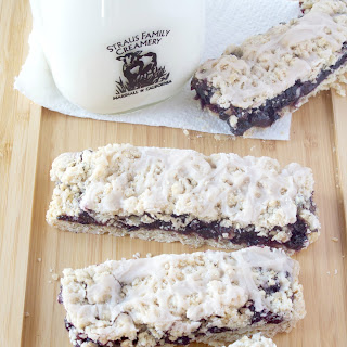 Old Fashioned Blueberry Crumb Bars w Cinnamon Icing