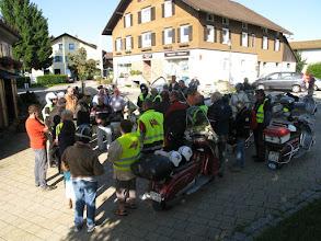 Photo: vor der Abfahrt,Treffpunkt am Rathaus in Oberreute..