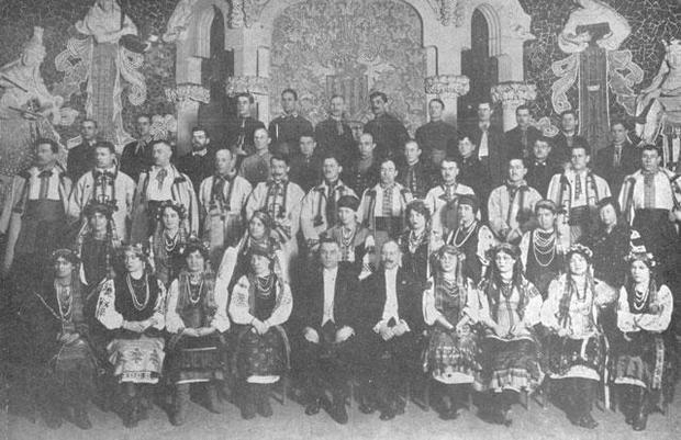 На спорядження Української Республіканської Капели Директорія виділила 1.184.500 карбованців і 1.142.500 франків на подорож до Парижа