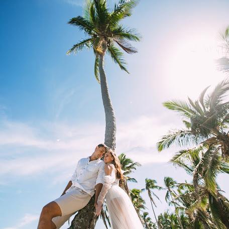 Wedding photographer Anna Kumancova (Kumantsova). Photo of 18.12.2017