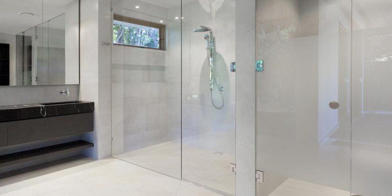 \\192.168.200.2\client_share\SEO\Chiranjiv\All Projects\Paradise Kitchens\New Work\2018\Off Pages\Pending Content\frameless-shower-screens.jpg
