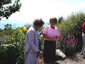 Photo: Mme Elkin notre voisine de 94 ans et Denise