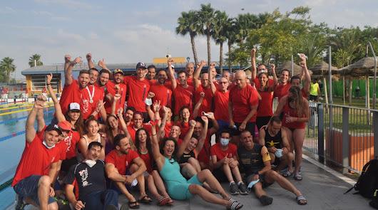 El club Máster Bahía de Almería suma 97 medallas