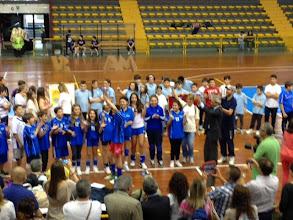 """Photo: premiazione - la Dante vince la finalissima battendo la scuola """"Gabelli"""" di Misterbianco 2-0"""