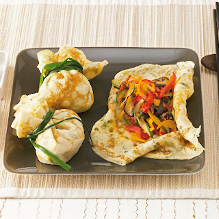 Kräuterpfannkuchen mit asiatischem Gemüse