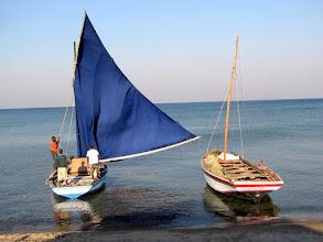 Photo: Cóbuè - sailing boats at Lake Malawi