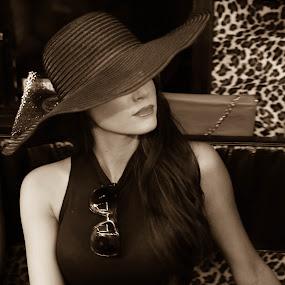 The Hat by Scott Murphy - People Fashion