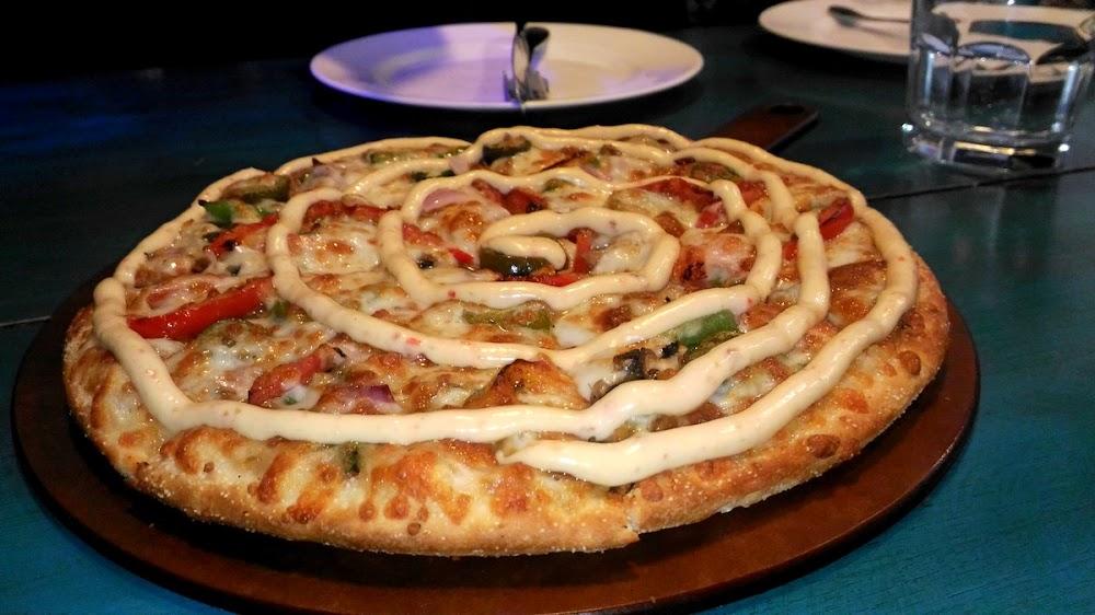 pizza-restaurants-gurgaon-delhi-tossins-pizza-image
