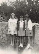 Photo: María Socorro, Rosi y María Jesúa