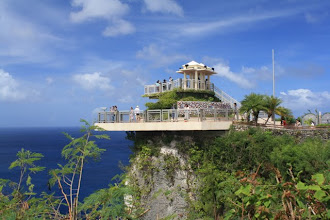 Photo: 2 lovers point look out